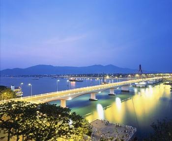 胡志明市 – 顺化 – 会安 - 岘港 五天游